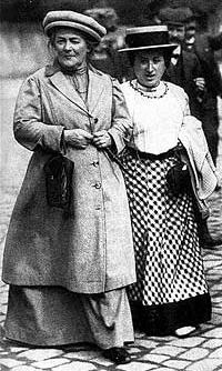 رزا لوکزامبورگ و کلازا زتکین